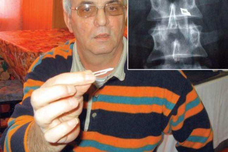 Pacientul care il acuza pe chirurgul Stefan Florian ca i-a uitat un bisturiu in coloana a mai primit o lovitura. Instanta i-a respins pretentiile materiale