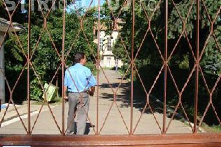 O tanara de 14 ani, care a fugit a 12 - a oara de la un centru de minori din Cluj-Napoca, a fost data in urmarire generala