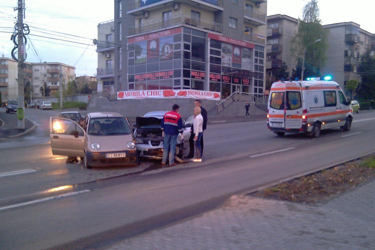 Accident pe strada Observatorului. Doua masini au fost avariate si soferii au primit ingrijiri medicale
