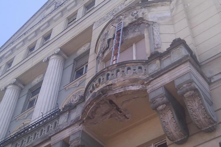 """Sorin Apostu explica de ce pica tencuiala de pe cladirile din centru: In """"buricul"""" Clujului nu locuiesc oamenii cu bani VIDEO"""