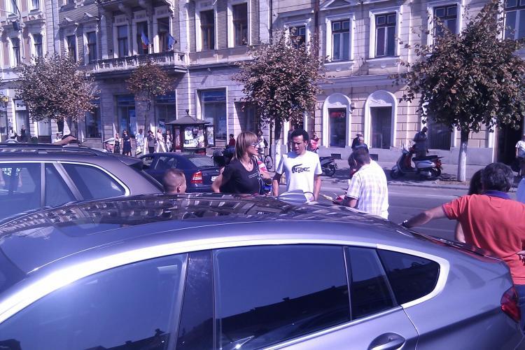 Hagi, Nastase si Nadia, in Piata Unirii la un meci de tenis demonstrativ. Sorin Apostu a jucat tenis FOTO