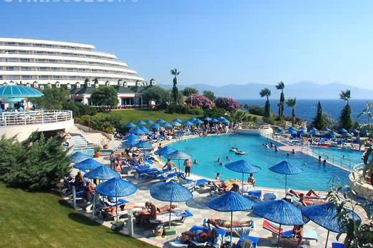 Turcii acuza: Universal Turism Cluj i-a tepuit pe turistii romani. Nu au mai platit 200.000 de euro