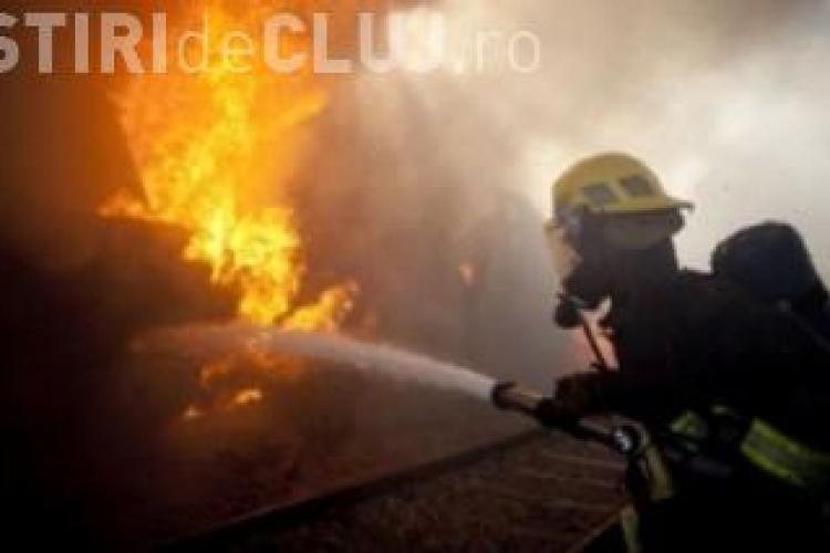 Incendiu pe strada Poligonului din comuna Floresti!