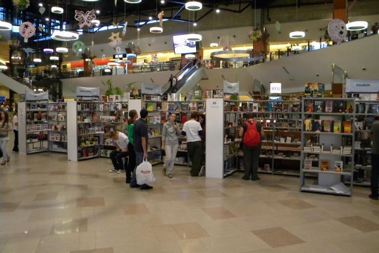 Caravana BookLand aduna 80 de edituri la Iulius Mall Cluj