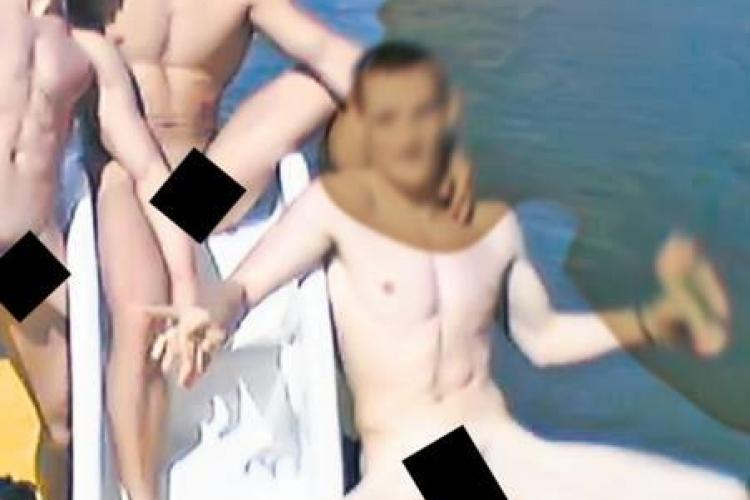 Campionul la gimnastica, Marian Dragulescu, dezbracat complet alaturi de alti barbati FOTO