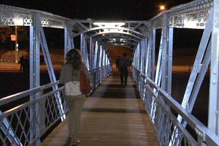 Podul Dragalina, iluminat miercuri seara, o data cu terminarea lucrarilor de reabilitare VIDEO