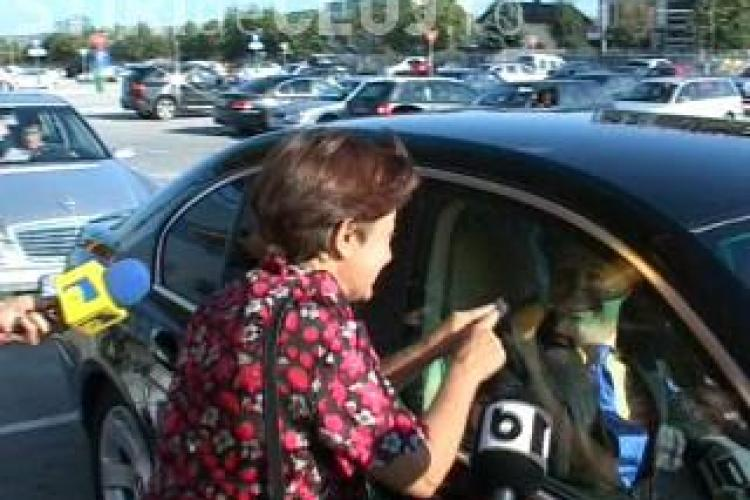 "Gigi Becali, asteptat la Cluj de ""imparateasa universului""! Femeia a vrut sa il sarute VIDEO"