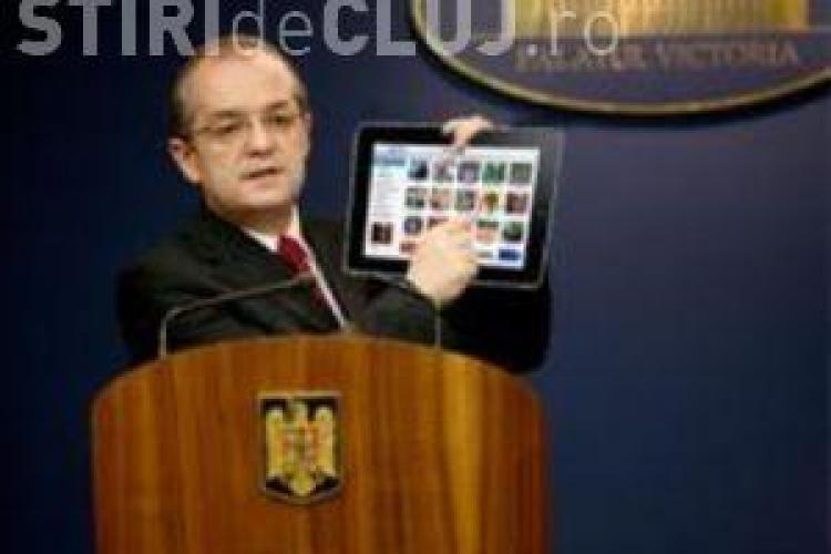 "Emil Boc, dependent de iPad si vrea o tasta ""reject USL"""