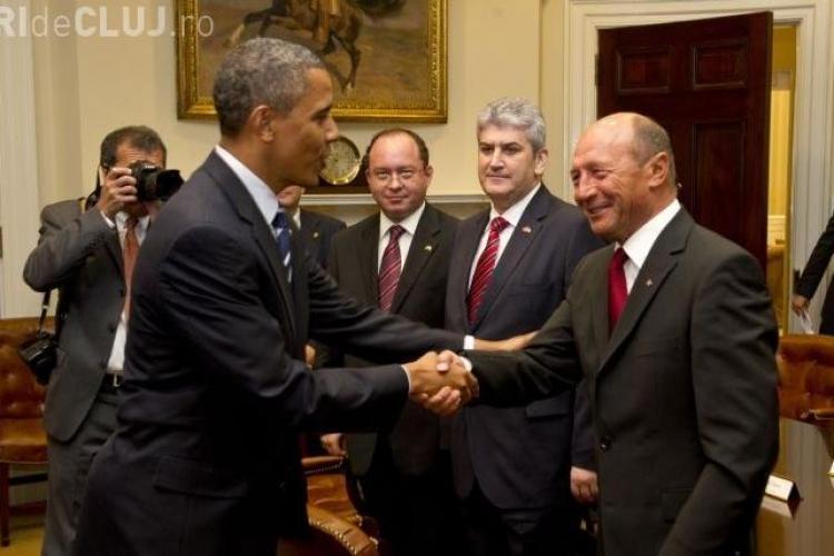 Basescu primit de Obama in Biroul Oval si servit cu mere FOTO