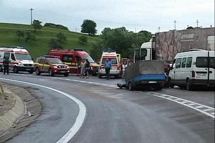 Accident in Saula, aproape de Huedin, in care este implicat un autocar