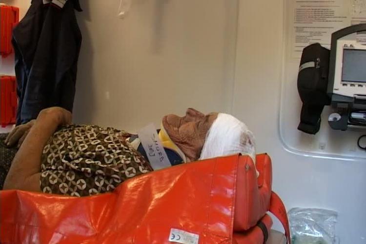 Femeie de 73 de ani, acrosata de un tren in Dej FOTO