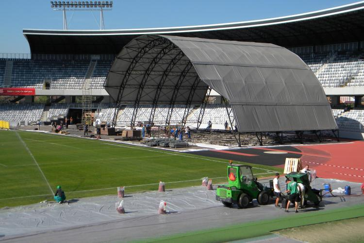 Scorpions la Cluj! Scena de pe Cluj Arena a inceput sa fie montata Imagini spectaculoase VIDEO si FOTO