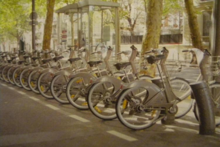 540 de biciclete si 15 kilometri de piste pentru biciclisti in Cluj-Napoca! S-a semnat contractul european VIDEO
