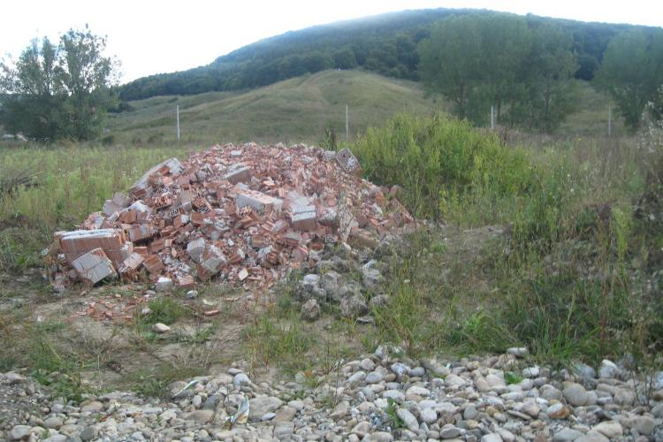 Rampe clandestine de gunoi, depistate in Cluj-Napoca FOTO