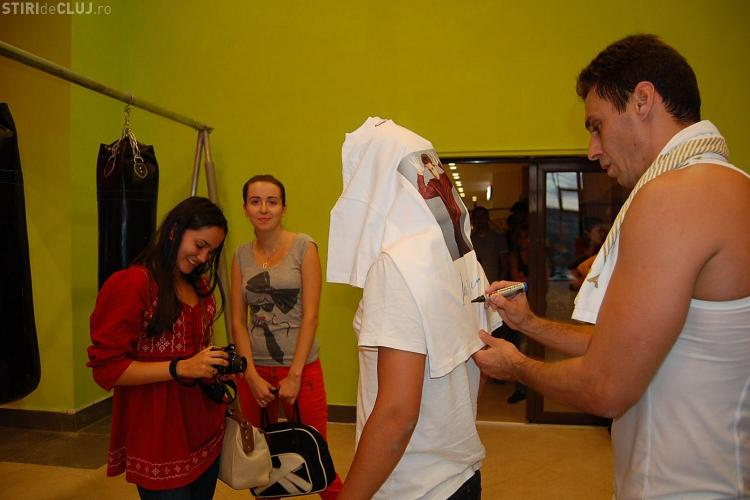 Mircea Badea s-a antrenat la Gimmy ca un star MMA Combat! Fanii l-au urmarit VEZI FOTO si VIDEO