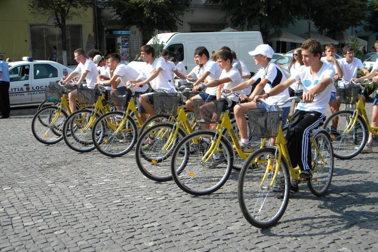Contractul de bike-sharing, cu 50 de statii de inchiriere si 540 de biciclete, semnat miercuri. Clujenii au parte de o surpriza!