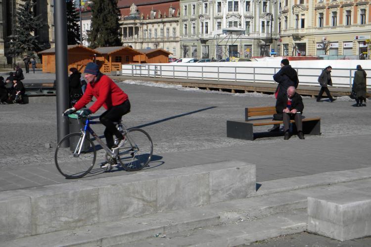 Tur pe bicicleta prin centrul istoric din Cluj-Napoca, de la ora 14.00 FOTO