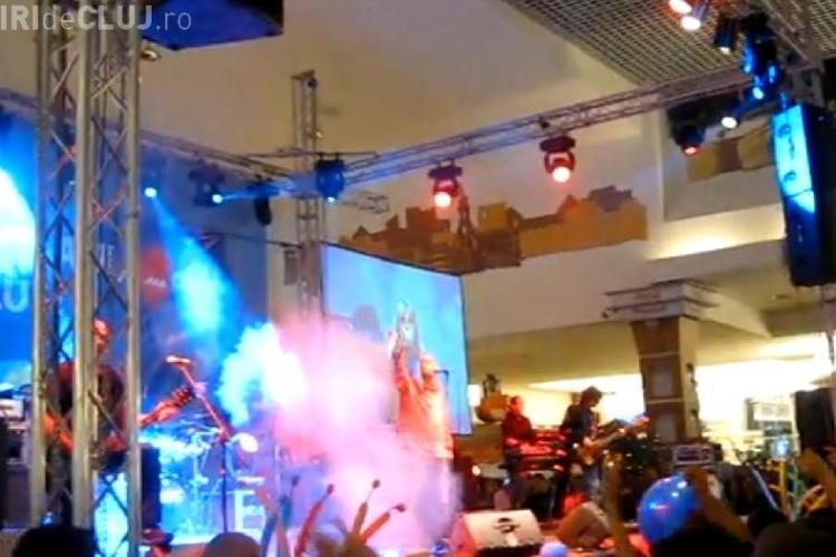 Iris a cantat hit dupa hit la aniversarea mall -ului din Floresti VIDEO