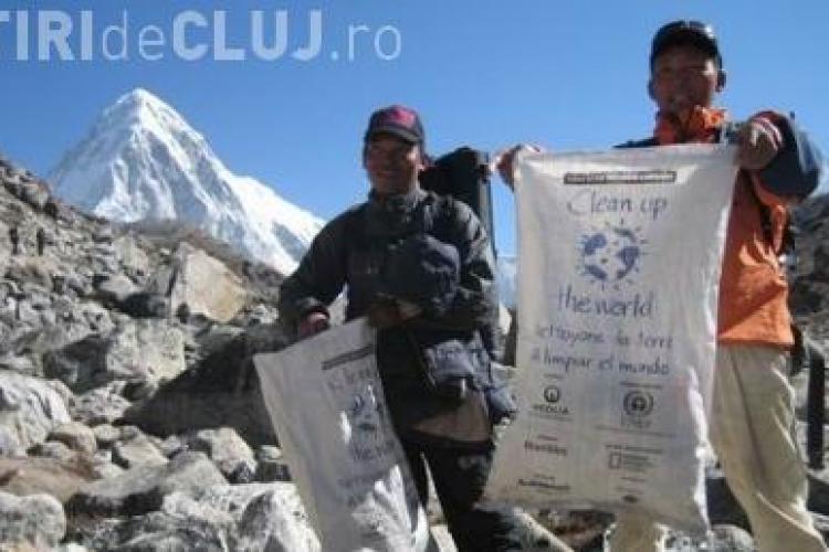 Toalete publice pe Everest! Guvernul din Nepal vrea sa protejeze muntele