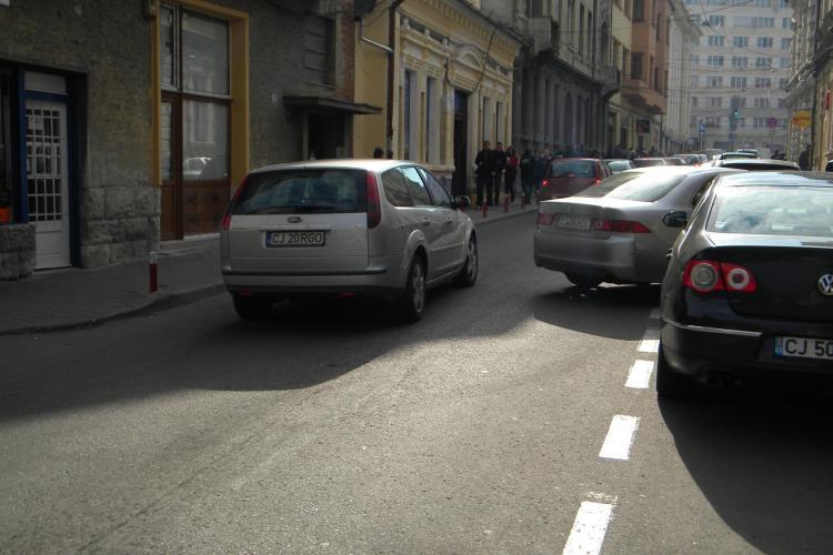 A parcat pe Emil Isac si a blocat jumatate din drum FOTO si VIDEO