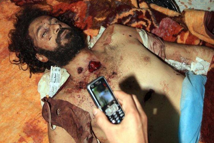Fiul lui Muammar Gaddafi, executat dupa ce a primit o tigara VIDEO