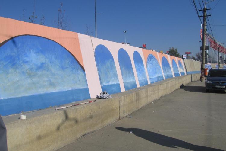 Elevii de la Liceul de Arta din Cluj au pictat peretii de pe Bulevardul Muncii FOTO
