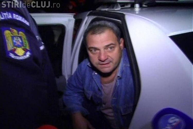 Un barbat s-a urcat pe o macara de pe strada Arinilor, cartierul Manastur, si a amenintat ca se arunca! Dupa doua ore a coborat VIDEO