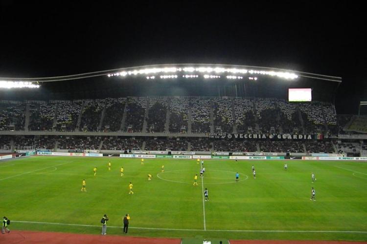 """Cele mai """"tari"""" bannere afisate vreodata de suporterii U Cluj? Super-coregrafie inainte de meciul impotriva Kuban VIDEO"""