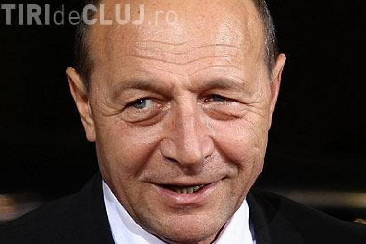 Basescu: In 2012, trebuie sa avem grija de bani. Nu se pune problema reducerii de pensii sau de salarii