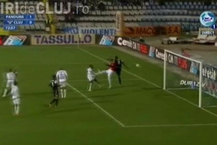 Gol anulat pentru Szukala! Centralul a vazut fault la portar. Are dreptate? VIDEO