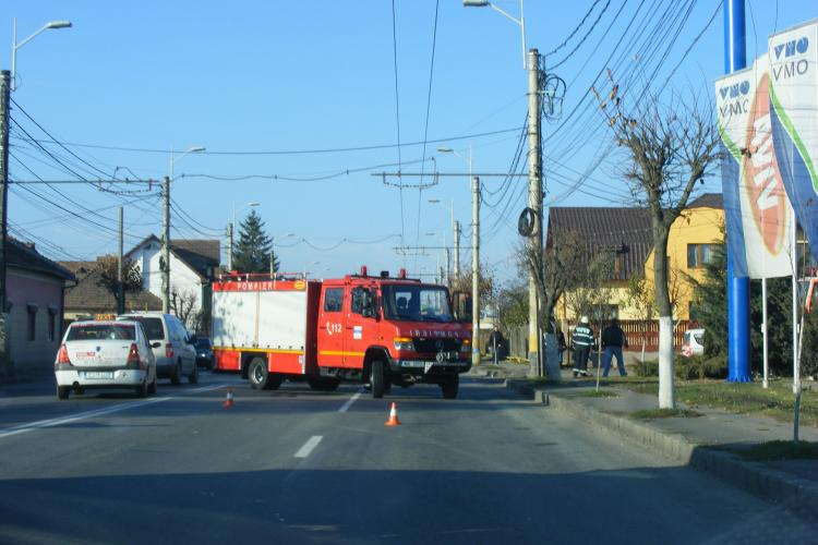 Accident pe Traian Vuia, langa OMV! Un microbuz a fost implicat