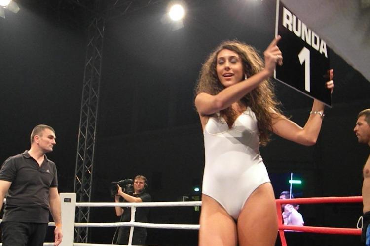 Puya, asaltat de animatoarele sexy de la Gala MMA de la Cluj FOTO