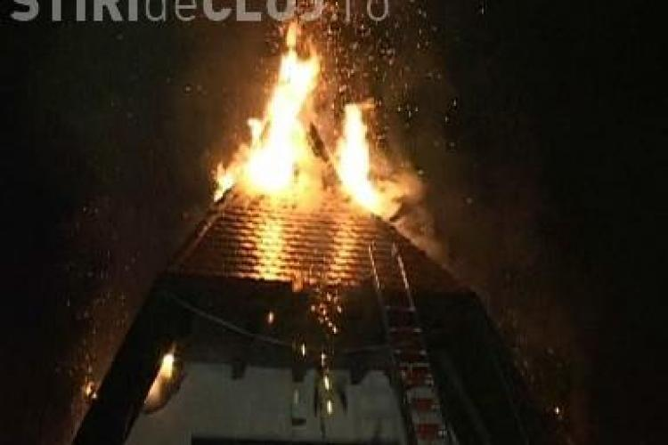 Incendiu in Manastur, pe strada Sebastian Bornemisa! O vila de lux a ars, iar pagubele sunt imense VIDEO