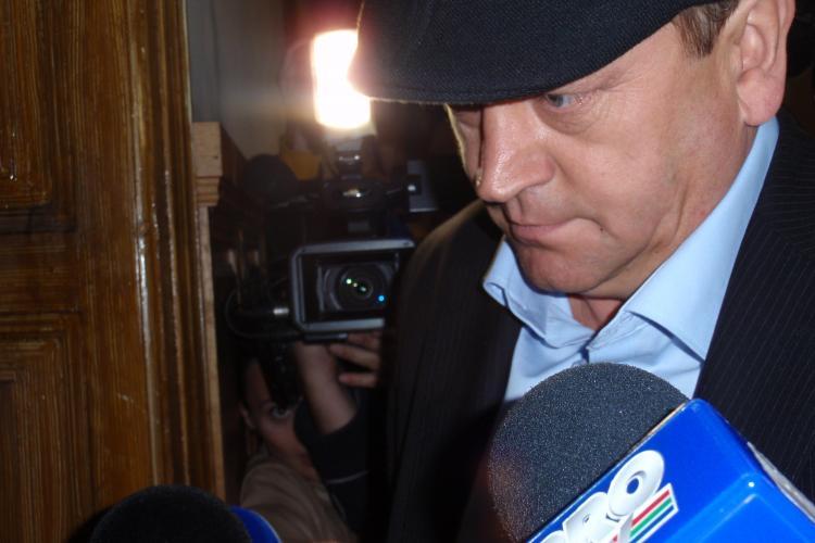 Radu Bica, vicepresedintele Consiliului Judetean Cluj, a fost retinut de DNA Cluj pentru luare de mita VIDEO