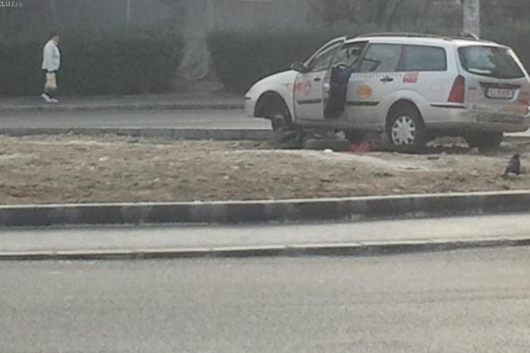 Un taximetrist a luat in plin sensul giratoriu de pe Nicolae Titulescu FOTO