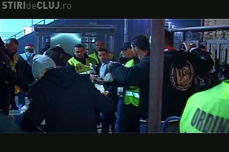 Suporterii Dinamo, descaltati si cautati la piele la intrare pe stadionul CFR Cluj VIDEO