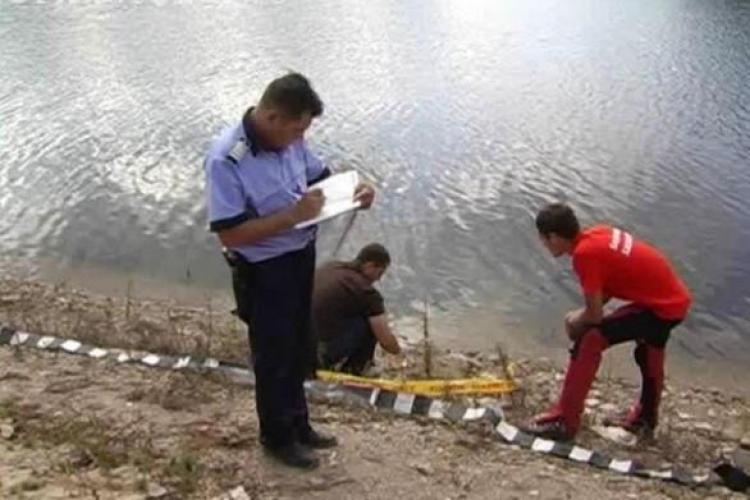 A fost gasit unul dintre cei trei inecati din lacul Belis
