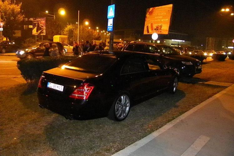 Masini parcate peste tot in jurul Cluj Arena! Lipsa parcarilor o mare problema STIREA CITITORULUI