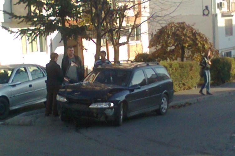 Accident pe strada Siretului cu doua masini implicate STIREA CITITORULUI