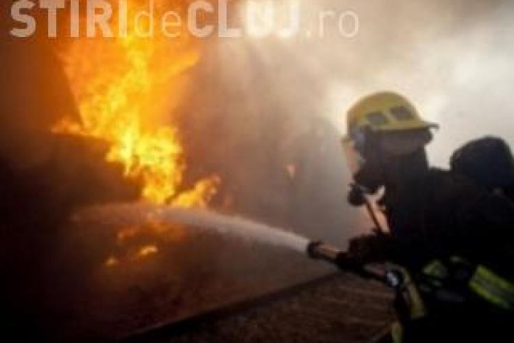 Incendiu la Iara! O tanara de 18 ani a suferit arsuri in urma unei explozii