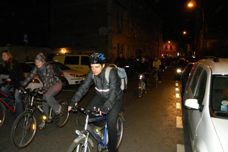 Marsul biciclistilor din Cluj cu pancarte, joi, 27 octombrie FOTO si VIDEO