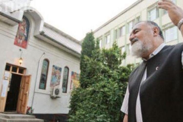 Parintele Dumitru Toadere, mort in accidentul din Floresti, a ctitorit capela Insitutului Oncologic Cluj