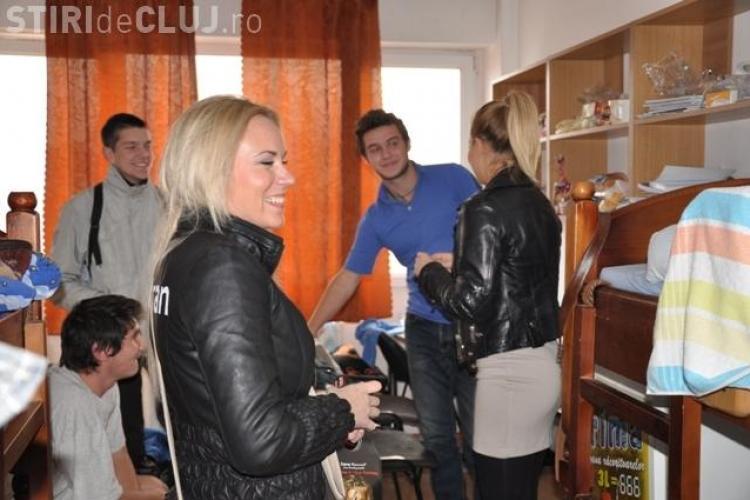 Gina Pistol a fost ceruta in casatorie de un student din Hasdeu FOTO