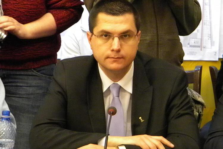 Radu Moisin, primar la 28 de ani: Unii consilieri ma iau peste picior pentru ca sunt tanar VIDEO