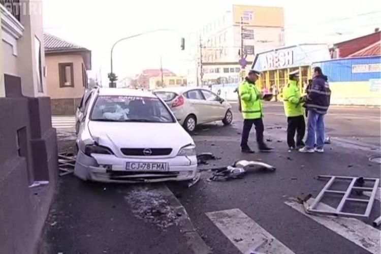 Accidentul de pe strada Paris, surprins in direct de camerele de supraveghere VIDEO EXCLUSIV