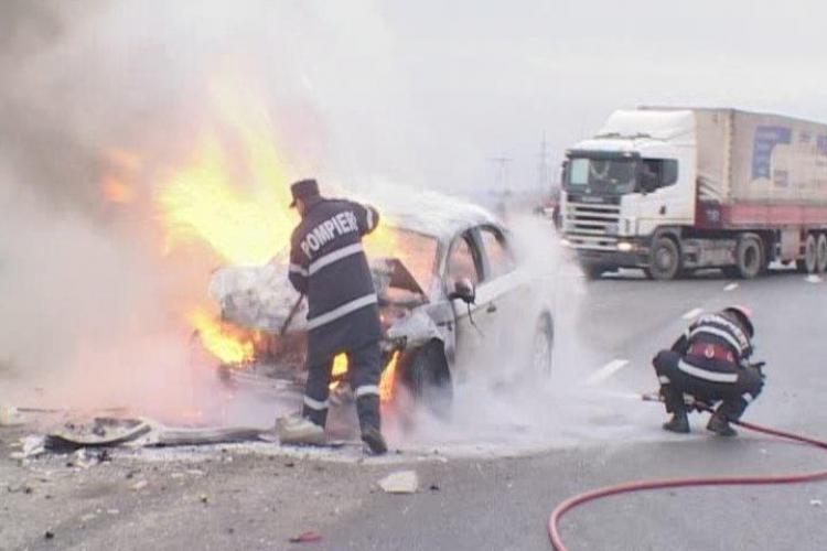O masina a luat foc in Valcele, pe DN 1