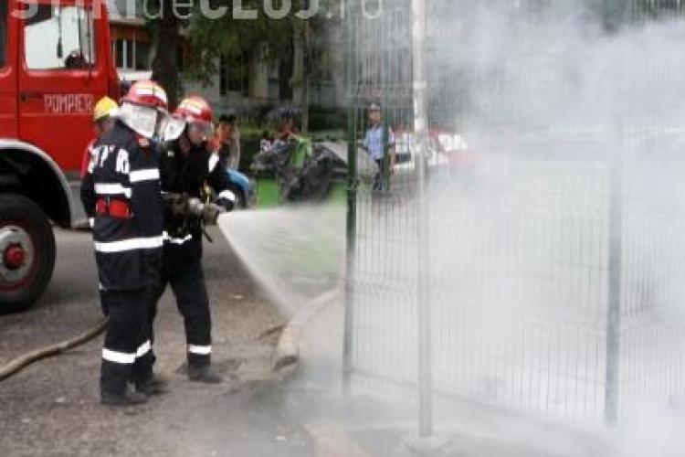 Incendiu langa Economica 1! Au ars gunoaiele lasate de oamenii strazii
