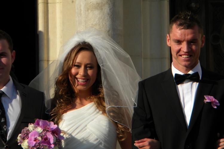 Cristi Bud s-a casatorit la Cluj! Vezi cum arata mireasa VIDEO si FOTO