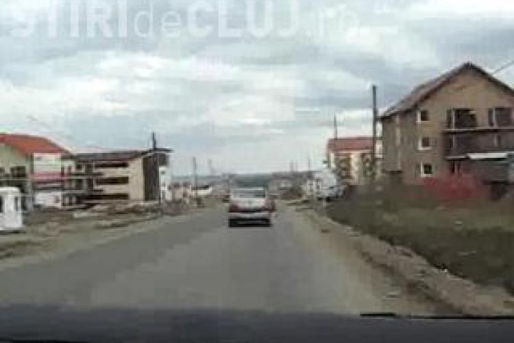 Clujenii de pe strada Buna Ziua cer asfaltarea drumului, dar nimeni nu-i asculta