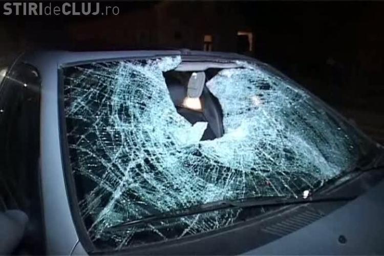 Accident la Nima! Un barbat a fost dus 60 de metri pe capota unei masini VIDEO si FOTO